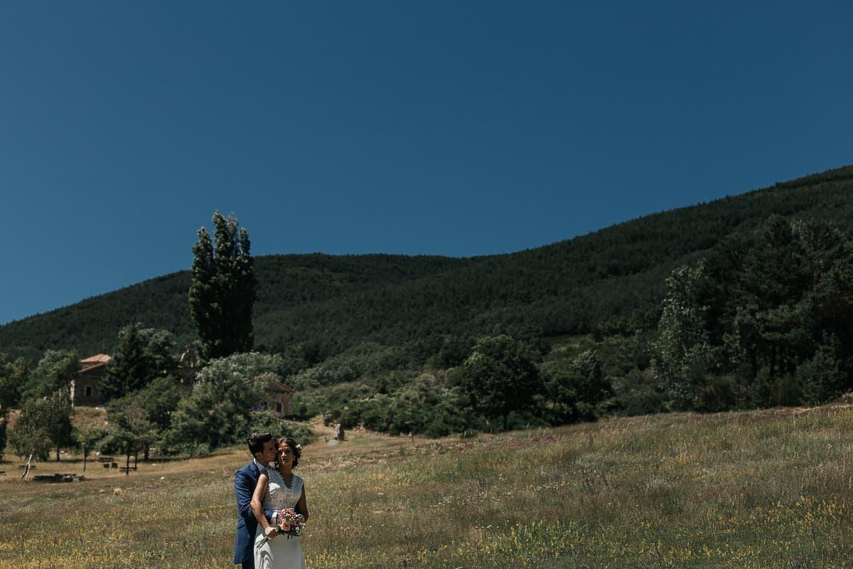 Boda en la montaña palentina Palencia Sara y Daniel-75