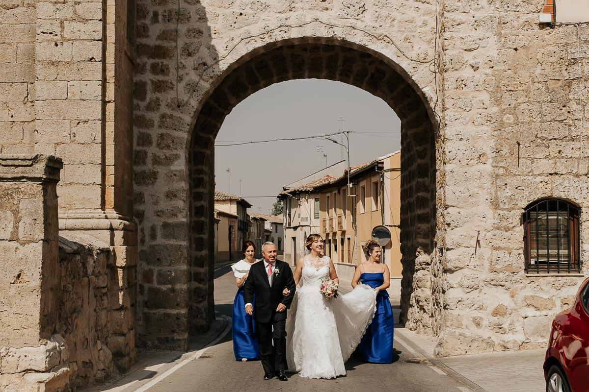 Fotógrafo de boda Valladolid boda en Villabrágima encinar del rey Mireya y Javier-40