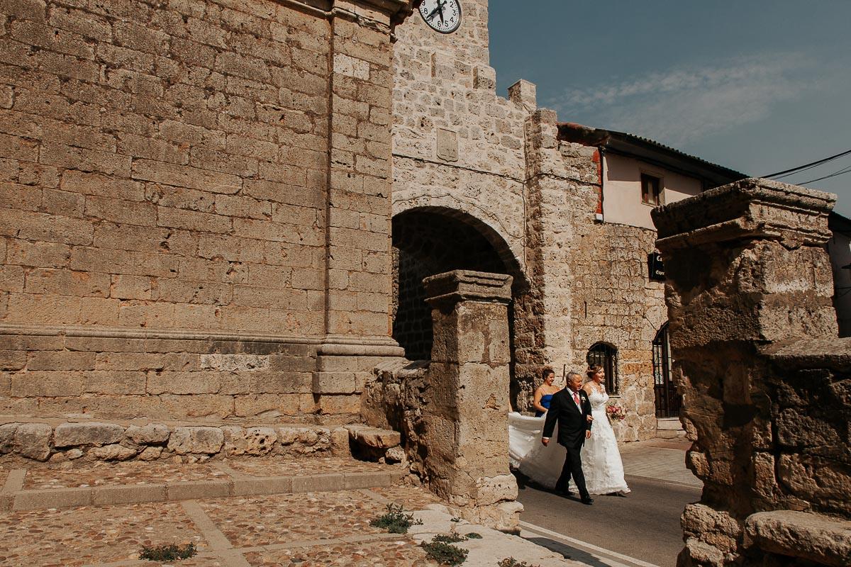Fotógrafo de boda Valladolid boda en Villabrágima encinar del rey Mireya y Javier-41