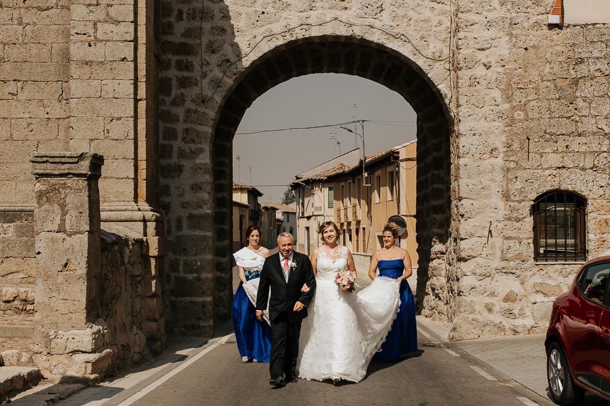Fotógrafo de boda Valladolid boda en Villabrágima encinar del rey Mireya y Javier-42