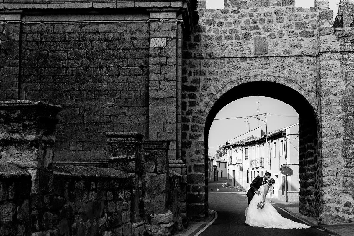 Fotógrafo de boda Valladolid boda en Villabrágima encinar del rey Mireya y Javier-57