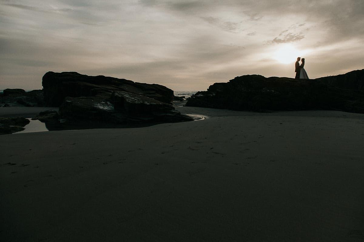 Postboda en la playa de las Catedrales Vídyka Azahar y Adrián-15