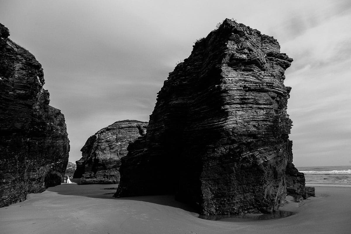 Postboda en la playa de las Catedrales Vídyka Azahar y Adrián-47
