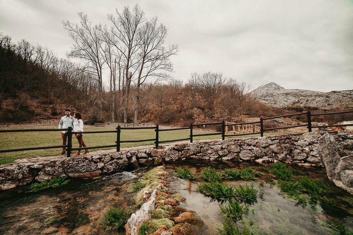 Preboda en la montaña de Palencia Velilla del río Carrión Sara y Daniel-2