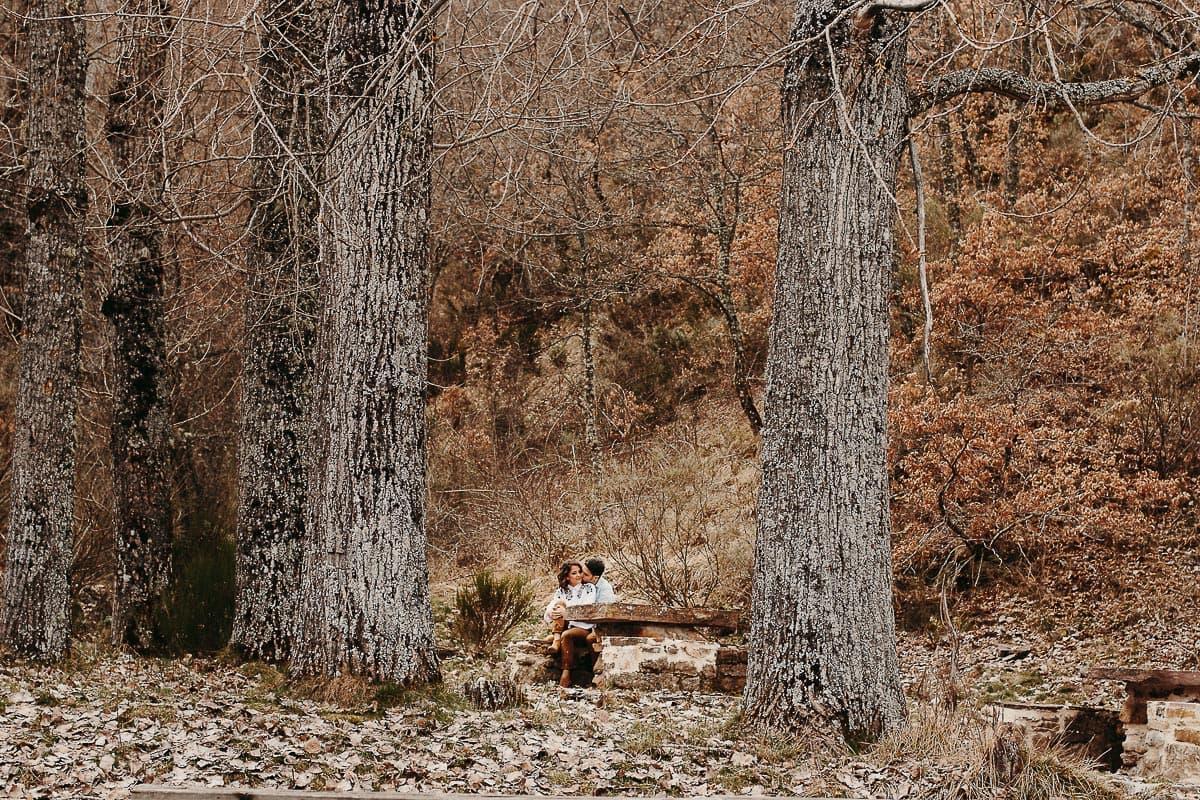 Preboda en la montaña de Palencia Velilla del río Carrión Sara y Daniel-3
